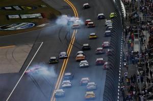 Cars-Kevin-Harvick-crash-Daytona-500-2013-nascar