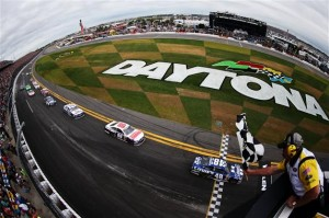Jimmie-Johnson-checkered-flag-Daytona-500-2013-nascar